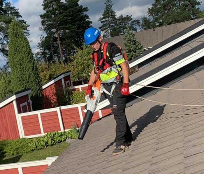 Kattojen pesu ja sammaleenpoisto